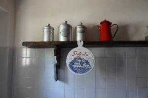 dettaglio cucina cipressi